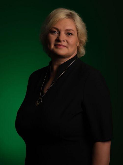 Biruta - Latviešu valodas skolotāja